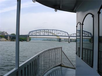 B&B Riverboat Cruise